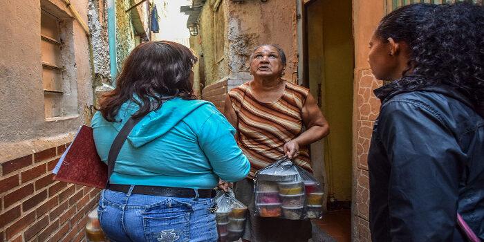 adultos mayores vulnerables