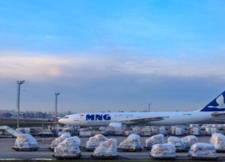 avión de MNG Holding Co