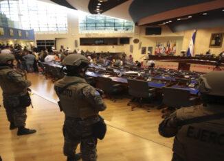 Congreso salvador militares