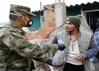 Ejército colombiano ayuda