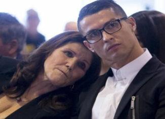 CR7 y su madre