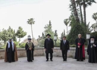 Rezo conjunto de los líderes religiosos en Jerusalén