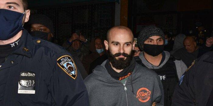 Nueva York | Atropella a policía que iba a multarlo por violar normas de covid-19 | 800Noticias